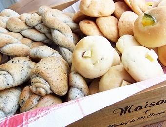 当店開発の米粉パン